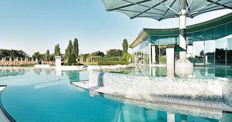 Hotel Bax***: Dovolenka na Morave s raňajkami, večerou a kvalitným...