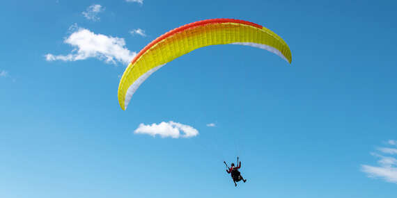 Tandemový paragliding z výšky až do 1000 metrov nad Donovalmi alebo na Straníku v Žiline / Slovensko - Donovaly - Nová Hoľa (za prevádzky lanovky), Žilina - Straník