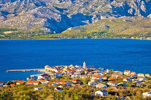 Slnečné Chorvátsko na 8 dní s ubytovaním v luxusnej Ville Starigrad I alebo II len 50 m od mora