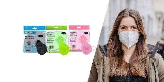 Farebné alebo biele respirátory FFP2 bez výdychového filtra/Slovensko