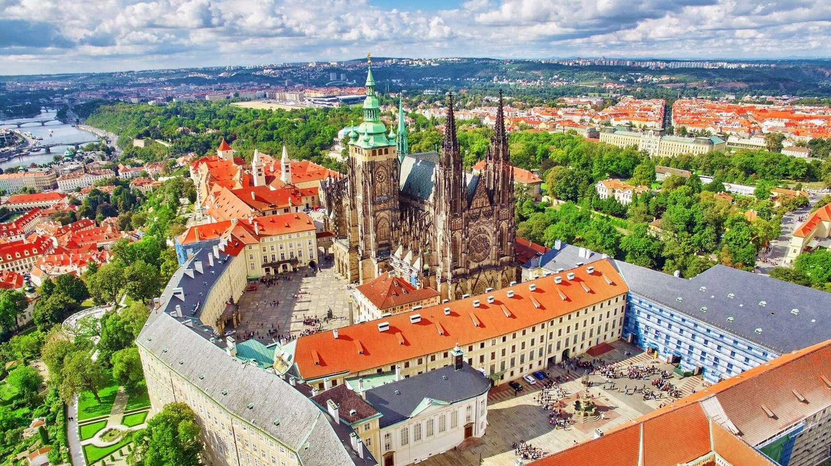 Priestranné izby hotela UNO*** v Prahe s raňajkami len 12 min. od c...