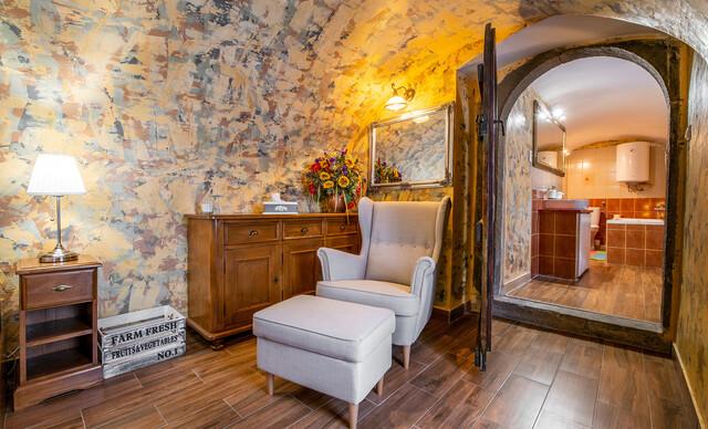 Objavujte odkryté aj tajné miesta Banskej Štiavnice s ubytovaním priamo v srdci mesta v Penzióne na Trojici.