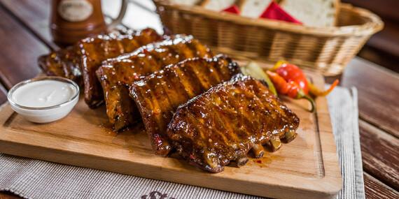 Pečené rebrá v v sladko-pikantnej marináde v Starohájskej pivárni / Bratislava – Petržalka