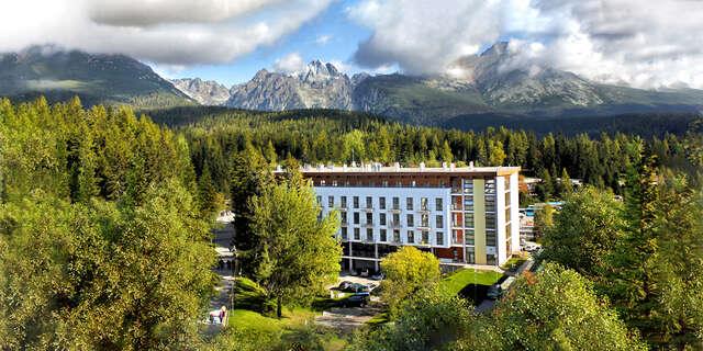 Výnimočný relax v apartmánoch hotela Crocus**** pri Štrbskom plese s polpenziou a bonusmi