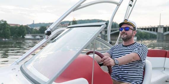 Zažijte adrenalin na hladině Vltavy: Jízda sportovní motorovou lodí Yamaha AR230 na 20 až 60 minut / Praha 12 - Modřany