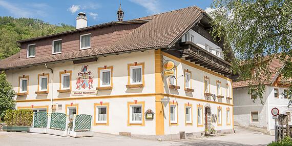 Zimný pobyt s lyžovačkou pre dve osoby s polpenziou v Penzióne Gasthof Mentenwirt/Rakúsko – St. Martin