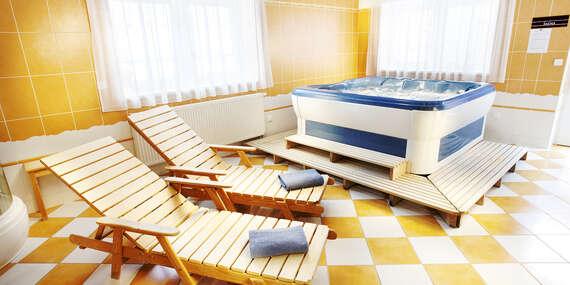 Dokonalý odpočinek v Hotelu Akademie**** ve vinařské obci Velké Bílovice na jižní Moravě s privátním wellness a snídaní/Velké Bílovice