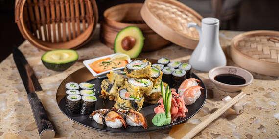 """Sushi set pre 2 osoby v reštaurácii Hotela Mama's **** formou """"take away""""/Bratislava – Staré Mesto"""