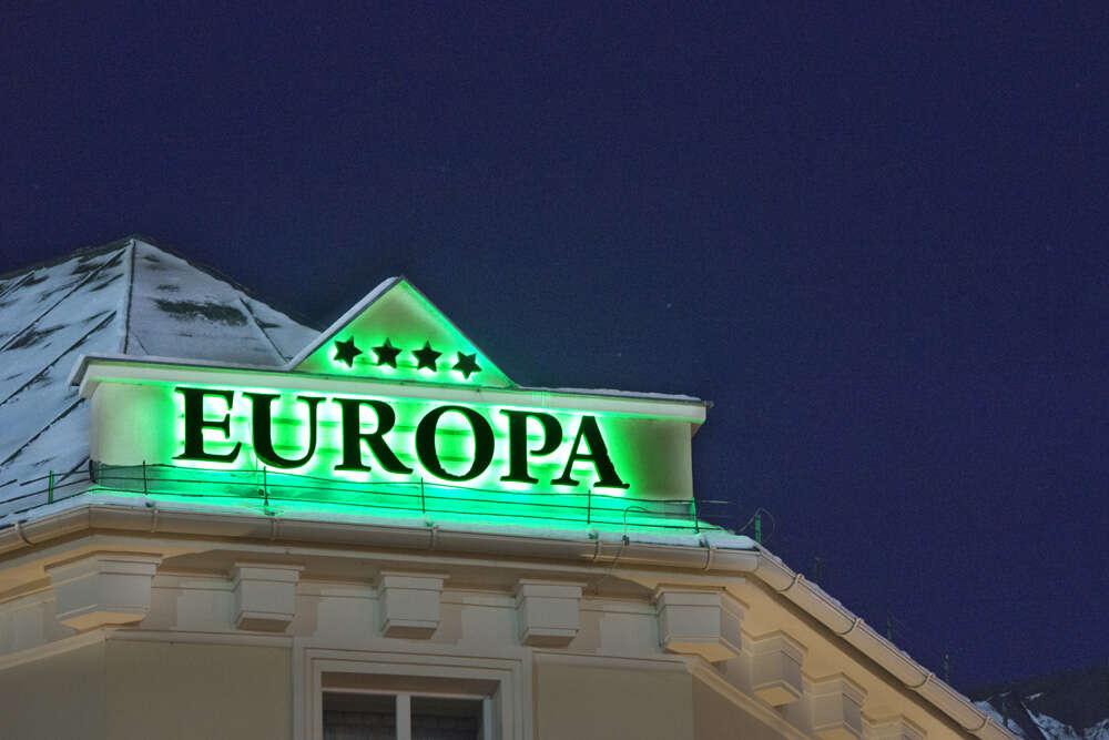 Pobyt v historickej budove hotela Europa**** len pár minút od AquaC...