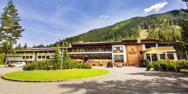 Neobmedzená wellness dovolenka na Liptove v ALEXANDRA WELLNESS HOTEL*** + s polpenziou a procedúrami