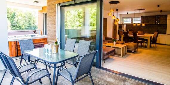 Luxusné bývanie s privátnou vírivkou až pre 6 ľudí v Penthouse Apartments pri Oravskej priehrade / Trstená