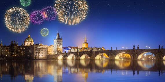 Adventní víkend či Silvestr v hotelu Gold Bank v srdci Prahy se snídaní a lahví vína na uvítanou/Praha