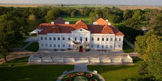 Art Hotel Kaštieľ / Tomášov
