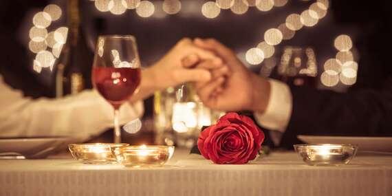 Romantická večera pre dvoch s dezertom a relaxom vo vírivke v hoteli Squash*** / Prievidza