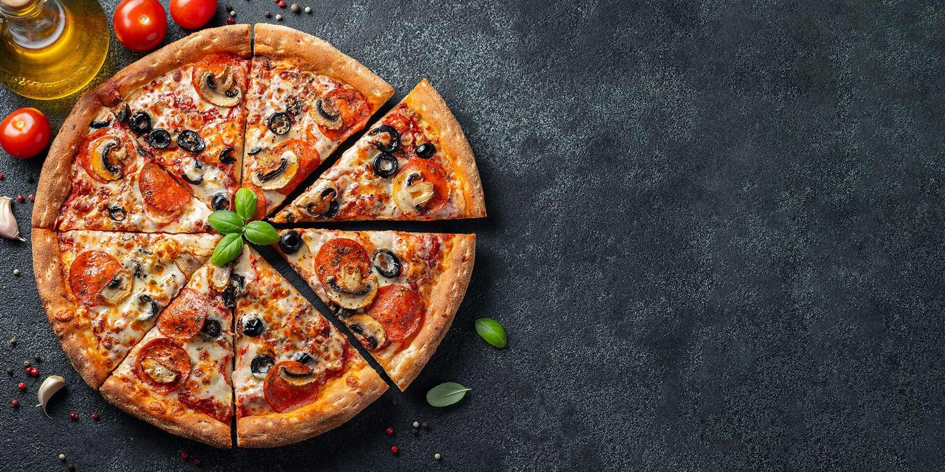 Pizza alebo XXL burger s hranolkami s donáškou pred dom či do práce alebo take away