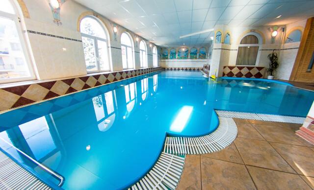 Kúpeľný pobyt v Luhačoviciach s polpenziou, vstupom do relax centra a možnosťou procedúr