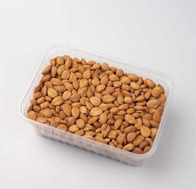 Sušené marhule, jadrá alebo plody moruše bielej či ovocné tyčinky.