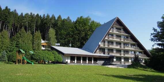 Dovolenka pri lese s ideálnou polohou na turistiku v hoteli Junior Piatrová** s polpenziou/Turčianska kotlina - Vrútky