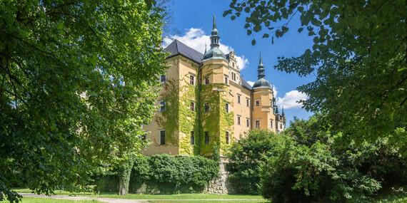 Majestátní zámek Klickow v krajině Dolnoslezských Borů v Polsku s ubytováním v zámeckém pokoji, polopenzí a neomezeným wellness/Polsko - Osiecznica