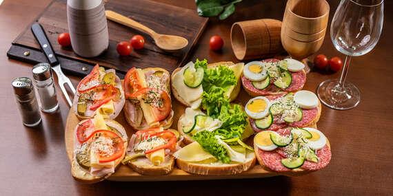 Set chlebíčkov alebo oškvarkové pagáčiky ako od babičky take away alebo donáška v reštaurácii Rotoska/Bratislava – Rača