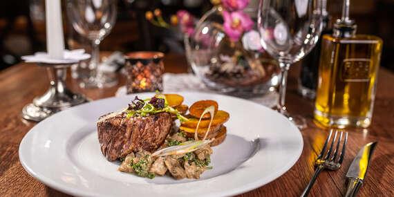 Steaky na tri spôsoby v lukratívnom prostredí Bratislavského hradu v reštaurácii Hradná Hviezda/Bratislava – Staré Mesto