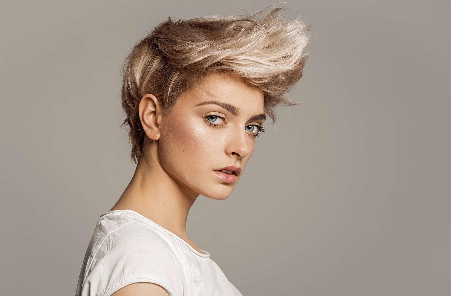 Melír pre oživenie, strih pre dokonalý vzhľad a regenerácia pre zdravé a silné vlasy