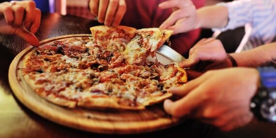 Kilová porcia rebier alebo XXL pizza v Hotel Garni/Považská Bystrica