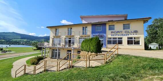Penzión Port Club*** priamo na brehu Oravskej priehrady, s nádherným výhľadom a polpenziou/Námestovo