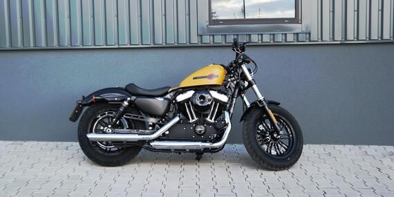 Showcars - zapůjčení legendárního motocyklu Harley Davidson Forty-Eight až na 8 hodin včetně instruktáže / Praha - Hloubětín