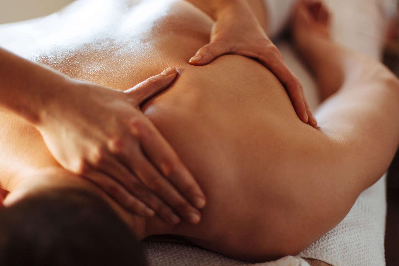 Veľký výber masáží – klasická, reflexná, terapeutická aleb...