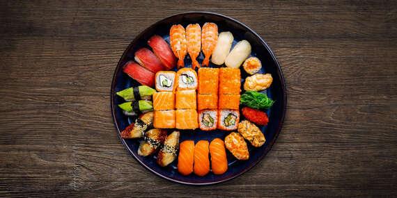 Sushi set pre 2 osoby so sebou (take away) a možnosťou vyskladania si setu podľa vlastnej chuti/Trnava