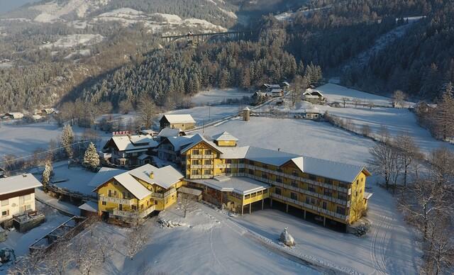 Rakúsky hotel Erlebnis*** blízko 2 ski centier, s polpenziou, saunami a až ročnou platnosťou