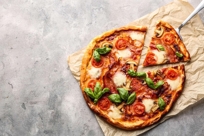 Talianska pizza podľa vlastného výberu v pizzerii Metropol