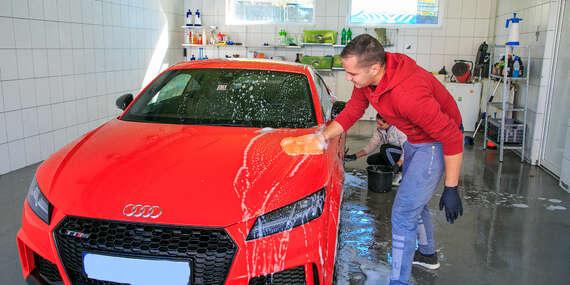 Ručné čistenie auta, dezinfekcia ozónom proti vírusom alebo tepovanie/Žilina