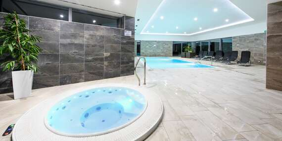 Dokonalý odpočinek s neomezeným vstupem do bazénu a vířivky ve Sport hotelu Dolní Morava s polopenzí a platností do prosince 2020 / Králíky