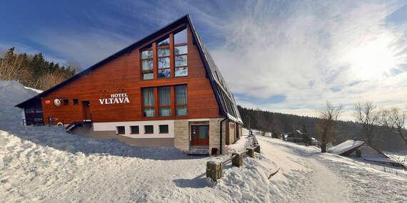 Zimní sezóna v Krkonoších se saunou, vířivkou a ubytováním v Hotelu Vltava pro 2 + 2 děti do 15 let zdarma / Krkonoše - Strážné