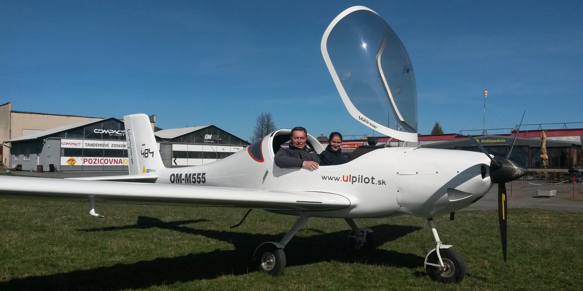 Skutočne nebeský zážitok - lietanie s možnosťou pilotovania na skúšku
