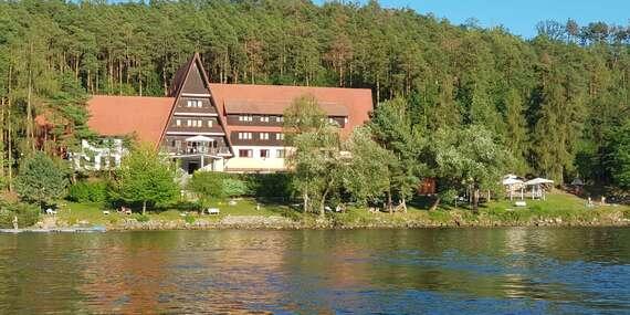 Dovolená u českého moře v Hotelu Laguna přímo u slapské přehrady na 3 až 5 dní s polopenzí a s možnost zapůjčení motorové lodi / Slapy
