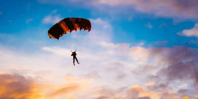 Parašutistický výcvik + odvážny zoskok bez inštruktora z výšky 1200 metrov