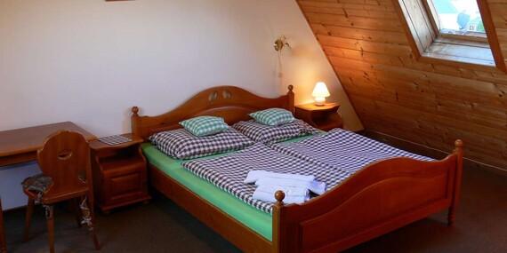 Krušné hory v jarním rozkvětu s ubytováním a polopenzí v hotelu Svatý Hubert v centru Božího Daru/Krušné Hory - Boží Dar