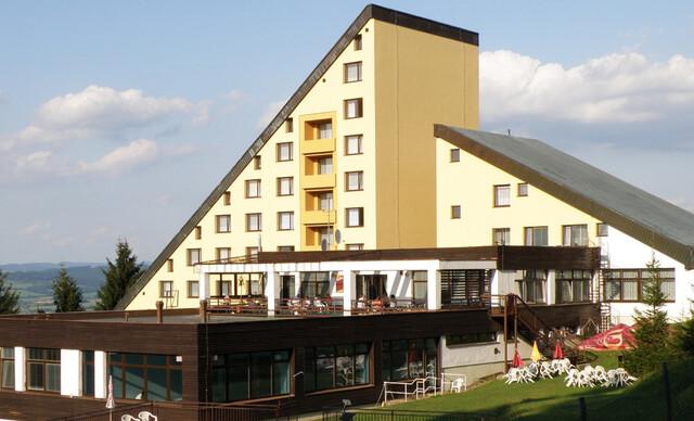 49% Beskydy: 3-6 denní pobyt pro DVA v hotelu…