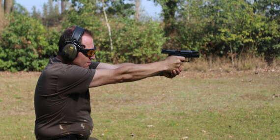Adrenalin na střelnici s vlastním výběrem zbraní a až 111 náboji pod vedením profesionálního instruktora/ČR
