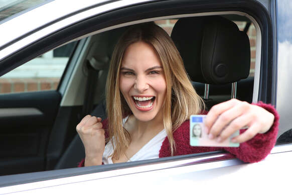 Vodičák pre teba a kamoša/ku za ešte výhodnejšiu cenu: Kurz autoškoly na skupinu B