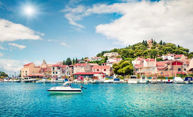 Oddych v chorvátskom meste Tribunj v apartmáne Daliborka, kde majú najčistejšie more Jadranu