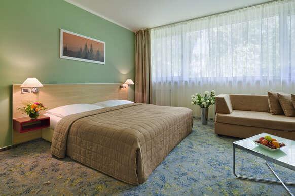 Relax, raňajky a parkovanie zdarma v pražskom hoteli Michael**** v obklopení prírody.