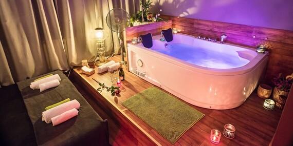 Oslavte Valentýna balíčkem wellness procedur se sklenkou sektu pro single i pro páry ve studiu O´WELL/Praha 5 - Motol