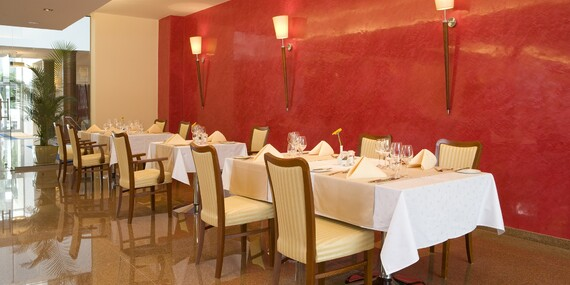 Luxusný pobyt pre náročných: Hotel Olympic**** s polpenziou a krásnym neobmedzeným wellness/Poľsko - Ustroń