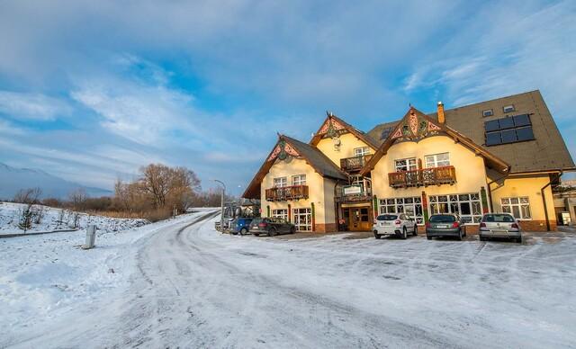 Zimná dovolenka v Tatrách v penzióne Lomnicky s výhľadom na Lomnický štít