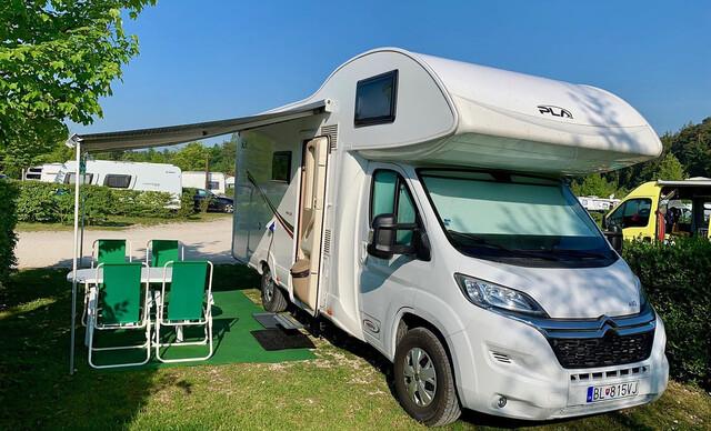 Prenájom Happy Caravan pre 6 osôb na cestovanie a spanie