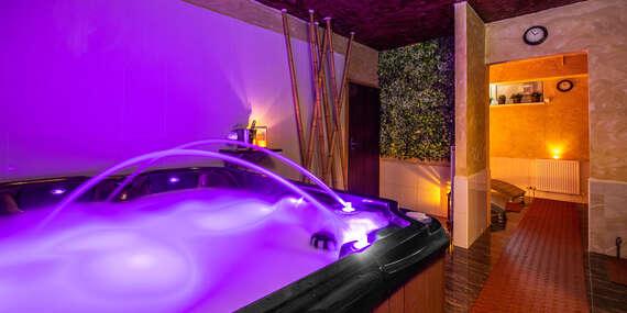 Až 120 minút rozmaznávania sa v privátnom wellnessom v PREMIUM**** business hotel Bratislava v romantickej atmosfére so sviečkami a sektom/Bratislava - Ružinov